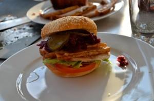 grilad flæskestegsandwich