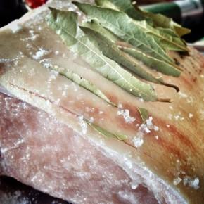 kotlett med salt och lagerblad